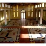 foto katon all'interno dall'altare